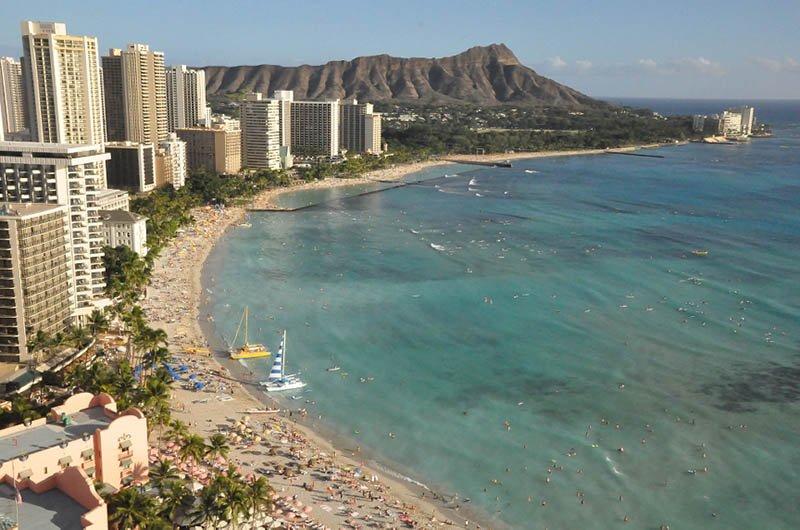 get an airport shuttle in oahu hawaii