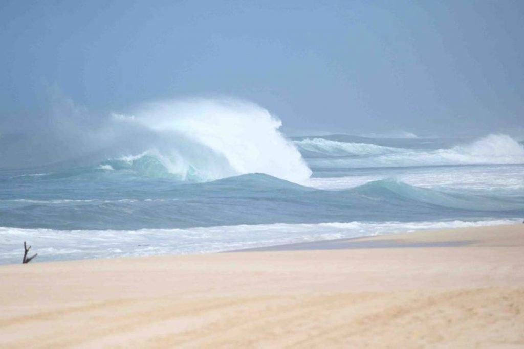 north shore surfing hawaii